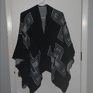 Like New! Old Navy Printed Fleece Poncho Wrap